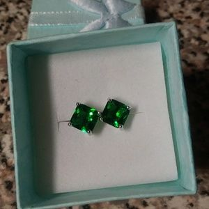 18K White Gold Filled 4mm Emerald Square Studs NEW